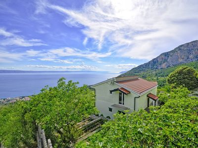 Photo for Holiday house Selak * large garden, terrace, sea view, free WiFi