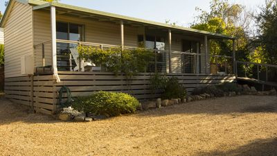 Photo for Koru | Pets | Air | Central Daylesford | Sleeps 2
