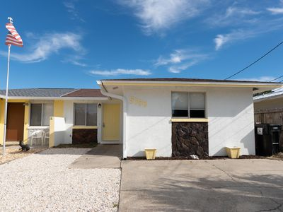 Photo for Adorable 2-Bed House a Short Walk to the Beach!