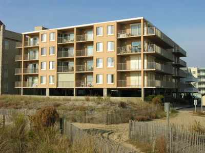 Photo for SURFCASTER 405	 / 	4	 BDR / 	Ocean Front	 condo / 	Midtown	 location