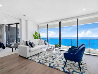 Photo for ⭐🤩 Luxurious Level 35 Ocean Suite Panoramic Views 🤩⭐