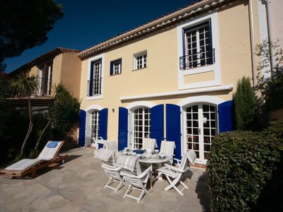 Photo for Port Grimaud, spacious holiday home with mooring,