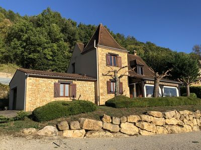 Photo for Perigordine villa with panoramic views and heated pool