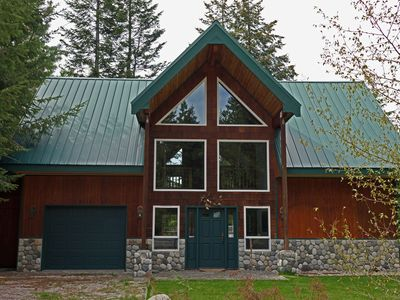 Photo for Mountain cabin on the Chiwawa River near Lake Wenatchee and Leavenworth
