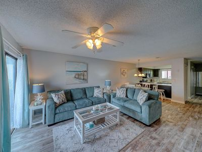 Photo for 2 Bedroom Portside Community, Heated Pool, close to Pier Park!