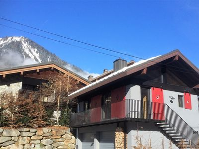 Photo for Detached chalet Chamonix center, 2-4 pers, balcony, MONT-BLANC chain side