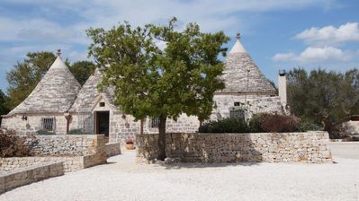 Photo for Beautiful 3 bedroom trullo with swimming pool, between Locorotondo & Cisternino