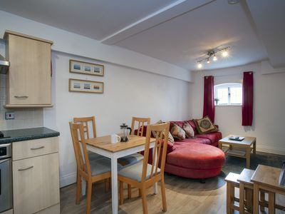 Photo for The Maltings- Flat in St Dunstans close to Uni of Kent &  West Station