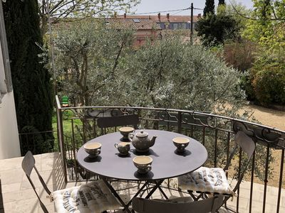 Photo for Superb apartment with terrace and parking in the heart of AIX