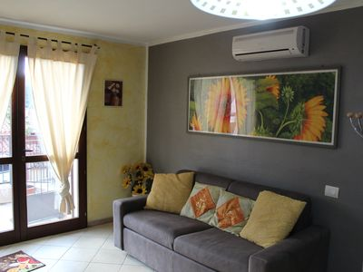 Photo for GIRASOLI TANY & SIMO, complete and super-equipped house just a few minutes from CHIA