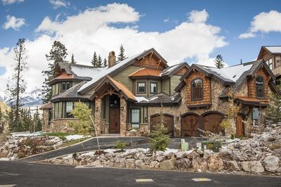Gorgeous views of surrounding mountains!This home sleeps 14 with 5,000+ sq ft!