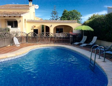 Photo for Villa with guest house and swimming pool in natural park La Granadella