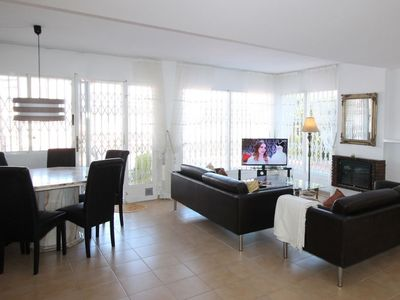 Photo for Apartment 1.4 km from the center of Benidorm with Parking, Internet, Washing machine, Air conditioning (319919)