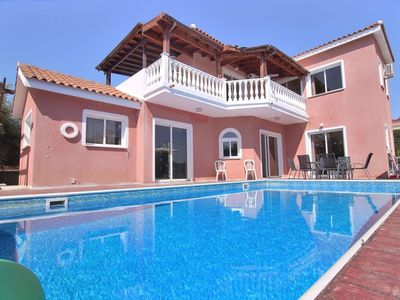 Photo for Villa Vasilea: A stylish villa with private pool just a few minutes walk to Coral Bay beach