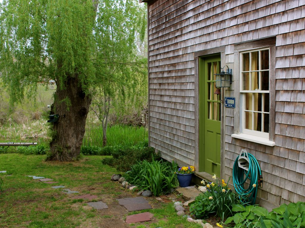 Sunny Spacious Studio Surrounded By Lush Greenery And Gardens North Truro Cape Cod
