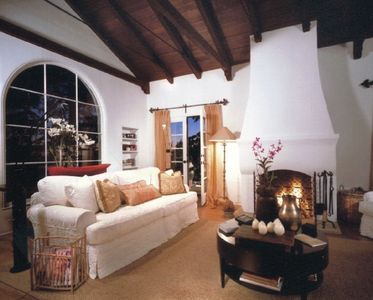 Living room, trusseled ceiling, double french doors,large flat screen TV
