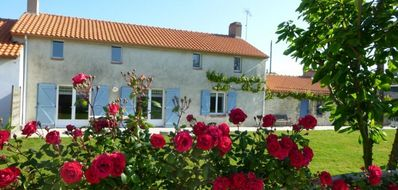 Photo for Cottage in the countryside near the sea and Noirmoutier