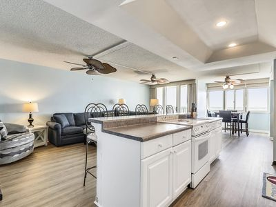 FREE DAILY ACTIVITIES! 3 bedroom, 2 bath Quay condo with direct oceanfront views.  New to our inventory and won't last long!