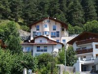 the hause is fantastic, views to the valley and the modern kitchen made our holi ...