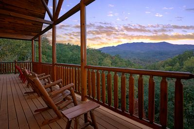 """Heaven's View awaits you! - Take in the most amazing views of the Smokies at """"Splash Mansion!"""""""