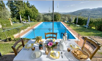 Photo for 10 bedroom Villa, sleeps 20 in Montaperti with Pool, Air Con and WiFi