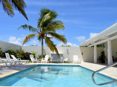 Palm Beach King Bed Suite 5 mins Walkable From The Beach & Marriott Hotel