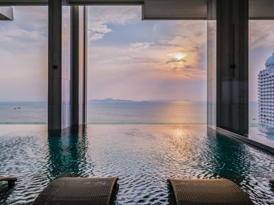 Photo for Luxury Design with Sky pool Close to Beach