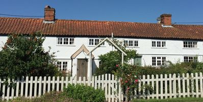 Photo for Views over open farmland ideally situated for exploring the Suffolk coast