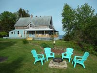LARGE, rustic farmhouse with lots of comfortable chairs and good lamps for reading.