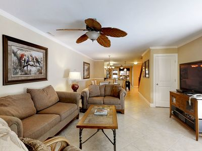 Photo for Townhouse right on the golf course and next to a lagoon, with a shared pool!