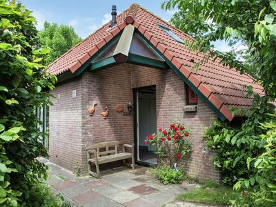 Peaceful Holiday Home in South Holland by the Lake