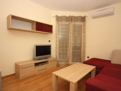 Photo for Two bedroom apartment with balcony and sea view Tučepi, Makarska (A-3193-h)