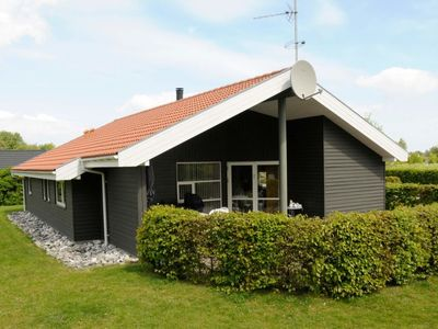 Photo for Vacation home Fjellerup Strand in Glesborg - 8 persons, 4 bedrooms