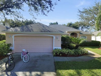 Photo for 5 bedroom pool home in Briarwood of Naples