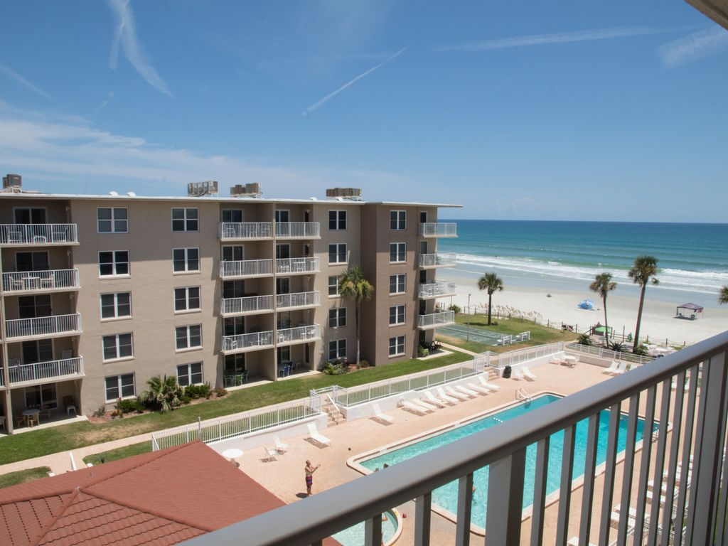 A Sliver of paradise with an Ocean view! No drive Beach in NSB