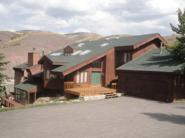 LUXURY 6 BDRM 5,500 FT HOME & SPA , SLEEPS UP TO18