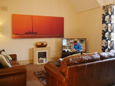 Photo for Very Large 2 bed, 2 bathroom pet friendly apartment in the centre of Torquay