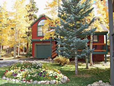 Photo for April weekend specials! Walk to Peak 9. Quiet downtown Location! Mtn views and private hot tub!