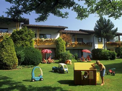 Photo for Family-friendly apartments with private Stranbad in a beautiful location.