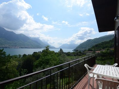 Photo for Holiday apartment overlooking Lake Como