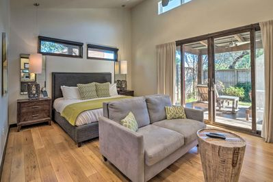 Enjoy modern amenities and style at this studio-style Spicewood vacation rental.