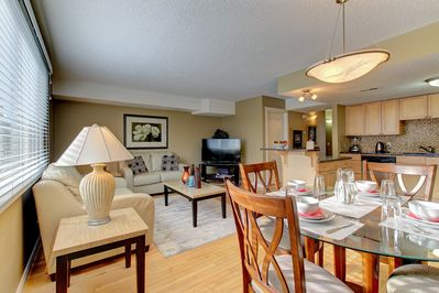 LIVING-DINING-KITCHEN OVERVIEW