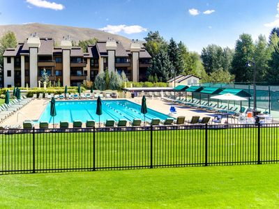 Photo for Beautiful mountain getaway w/ access to SV Lodge amenities and more!