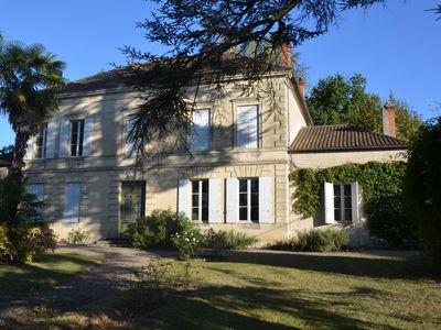"Photo for Summer rental, quiet in the countryside, a beautiful ""Chartreuse bordelaise"""