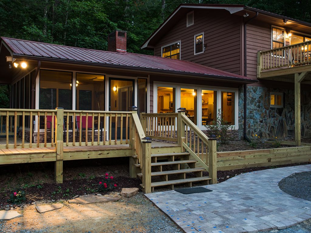 River retreat on the toccoa river perfect for family for Sundance cabin rentals blue ridge ga