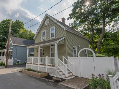 Photo for Quaint 1900 Worker's Cottage -9 miles to the center of BOSTON, MA