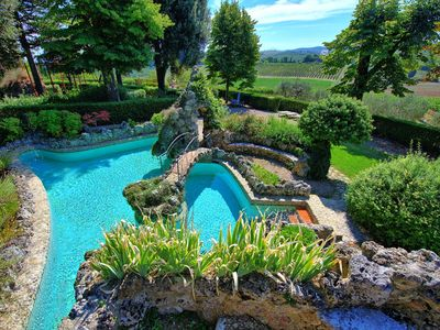 Photo for Wonderful  villa with WIFI, private pool, TV, panoramic view and parking, close to Siena