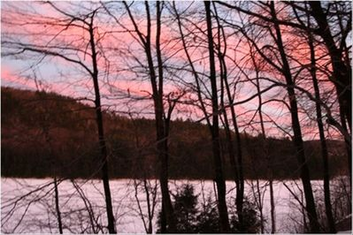 Lakeview: View New Year's Eve Sunset over Lake Amherst
