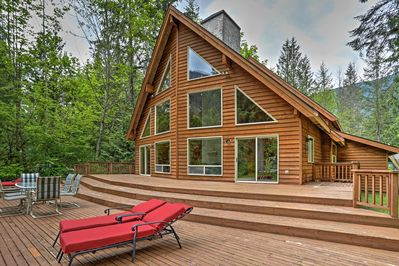 The Pacific Northwest calls to you from this magnificent Baring vacation rental.