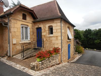 Photo for House near Dordogne in the Perigord Pourpre, 2 stars